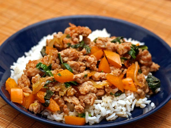 Dinner Tonight: Thai-Style Minced Chicken with Basil and ..