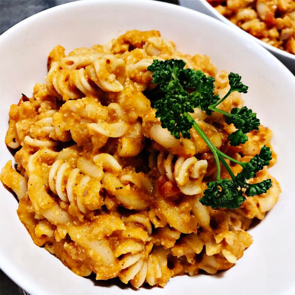 "Dinner tonight: #Vegan ""Hamburger Helper"" Cheeseburger Macaroni! ? #Recipe via @veggiesdontbite  . . .  ."