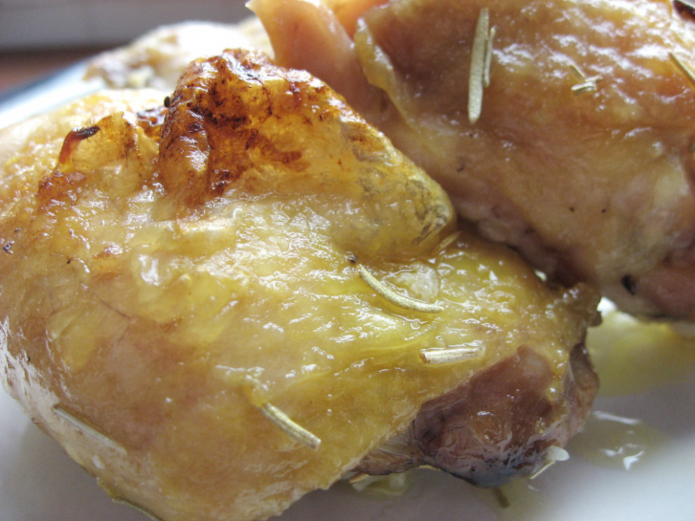 Easy Baked Chicken Thighs_01 - chicken recipes easy oven