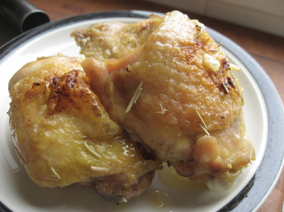 Easy Baked Chicken Thighs_02 - chicken recipes easy oven