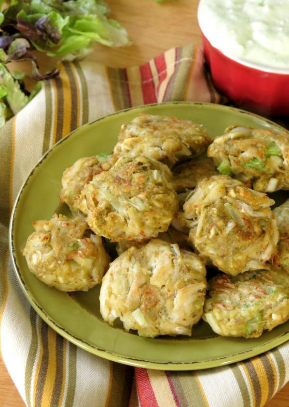 Easy Baked Crab Cakes with Avocado - The Dinner-Mom - recipes with avocado dinner
