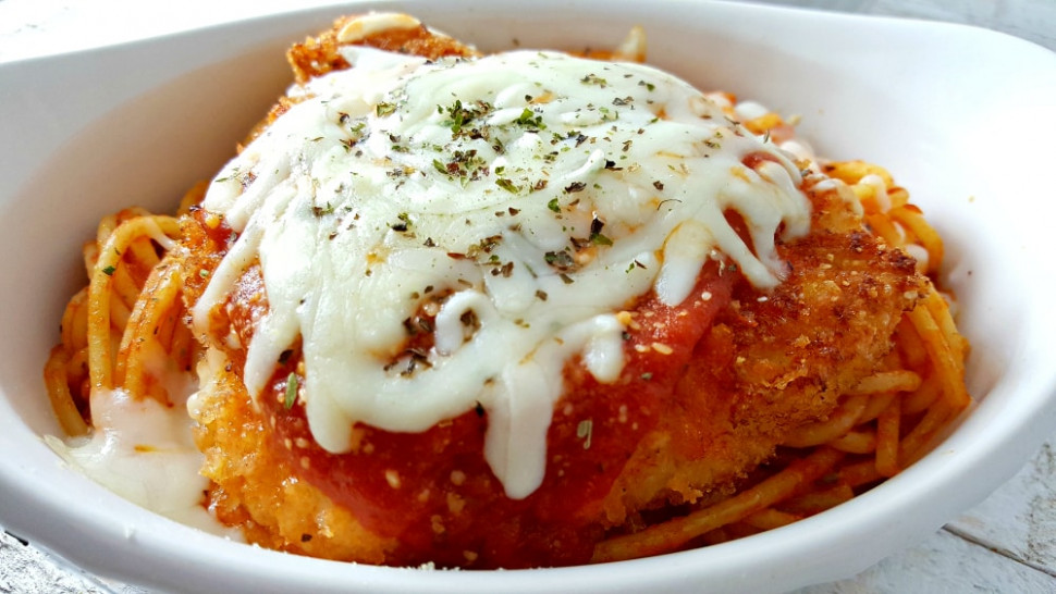 Easy Chicken Parmesan Recipe - Romantic Dinner for Two ..
