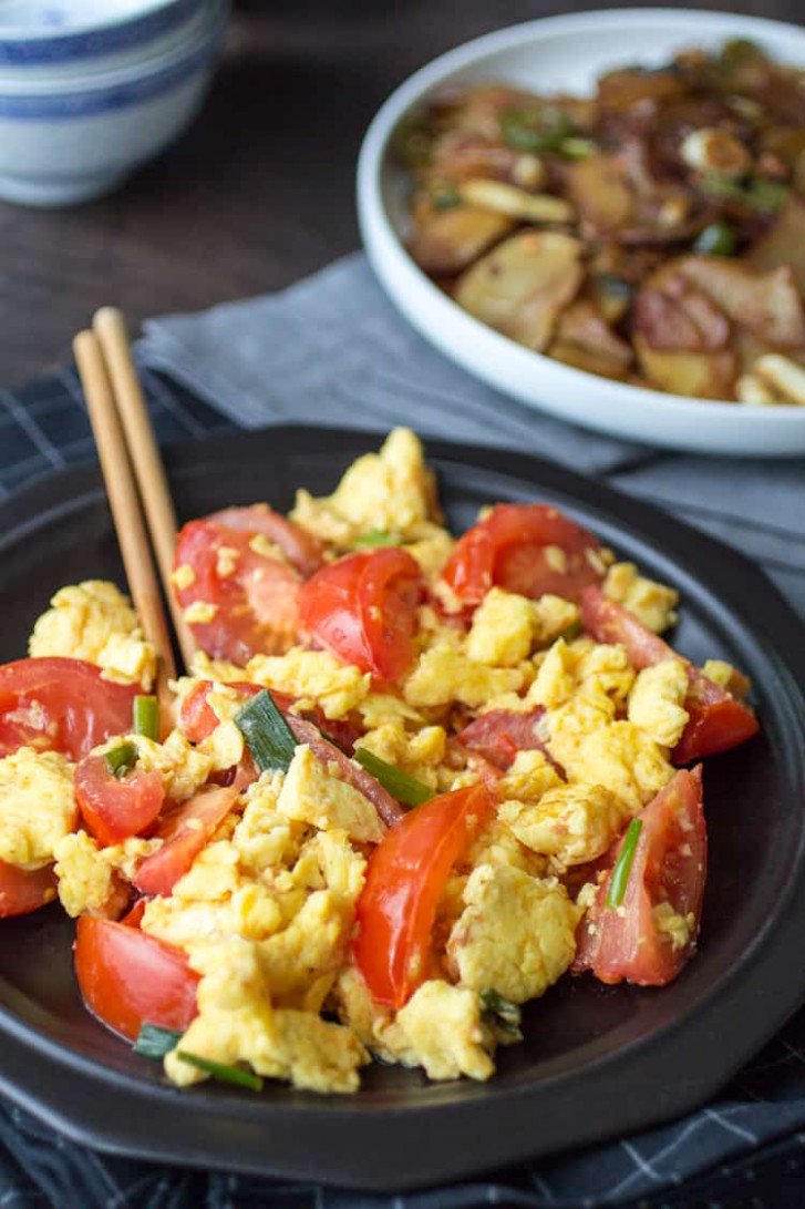 Easy Chinese Tomato Eggs - The Wanderlust Kitchen - recipes dinner eggs
