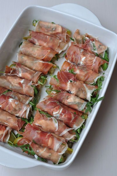 Easy Party Food – Mary Berry's Canapés – Gimme the recipe - recipes pre dinner nibbles