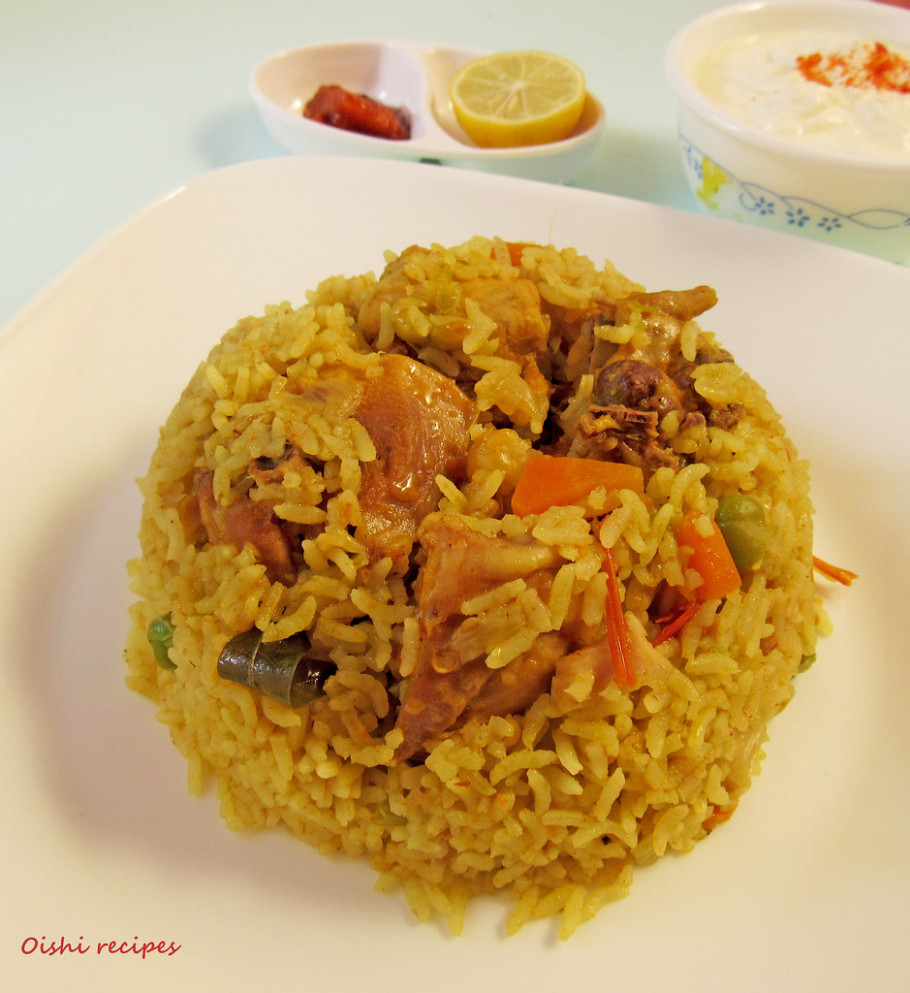 Easy-Pressure-cooker-chicken-biriyani-1