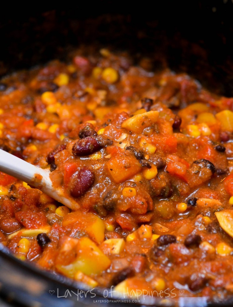 Easy Slow Cooker Vegetarian Chili - recipes for vegetarian chili