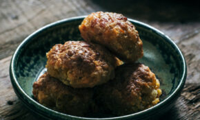 Easy To Make Classic Sausage Cheese Balls Recipe – Little ..
