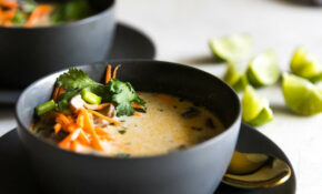 Easy Tom Kha Soup (Vegetarian Thai Coconut Soup)