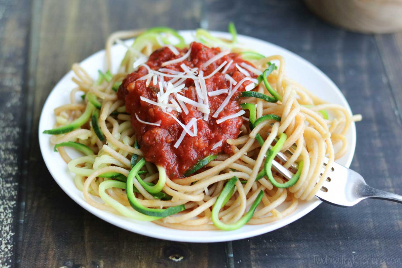 Easy Zoodles Recipe (Zucchini Noodles for Beginners) - Two ..