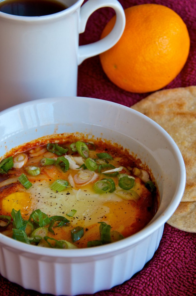 Eggs Baked in Salsa - low calorie food recipes