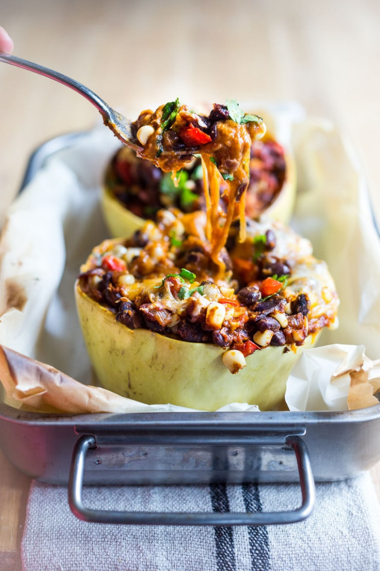 Enchilada Stuffed Spaghetti Squash - spaghetti squash recipes vegetarian