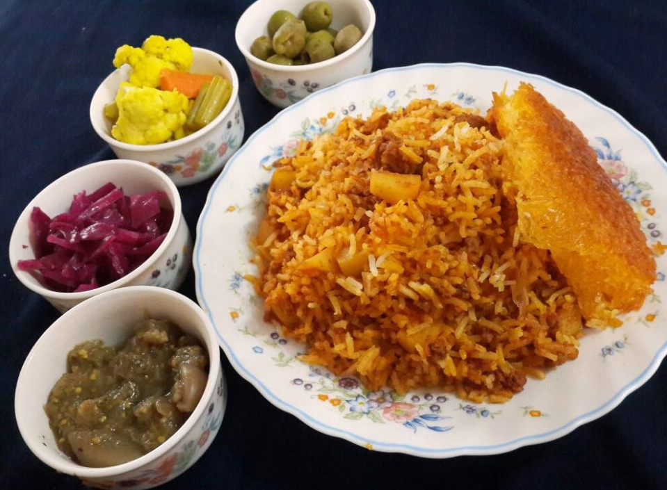Estamboli Polow (Persian Tomato Rice) – The Persian Pot - Persian Food Recipes