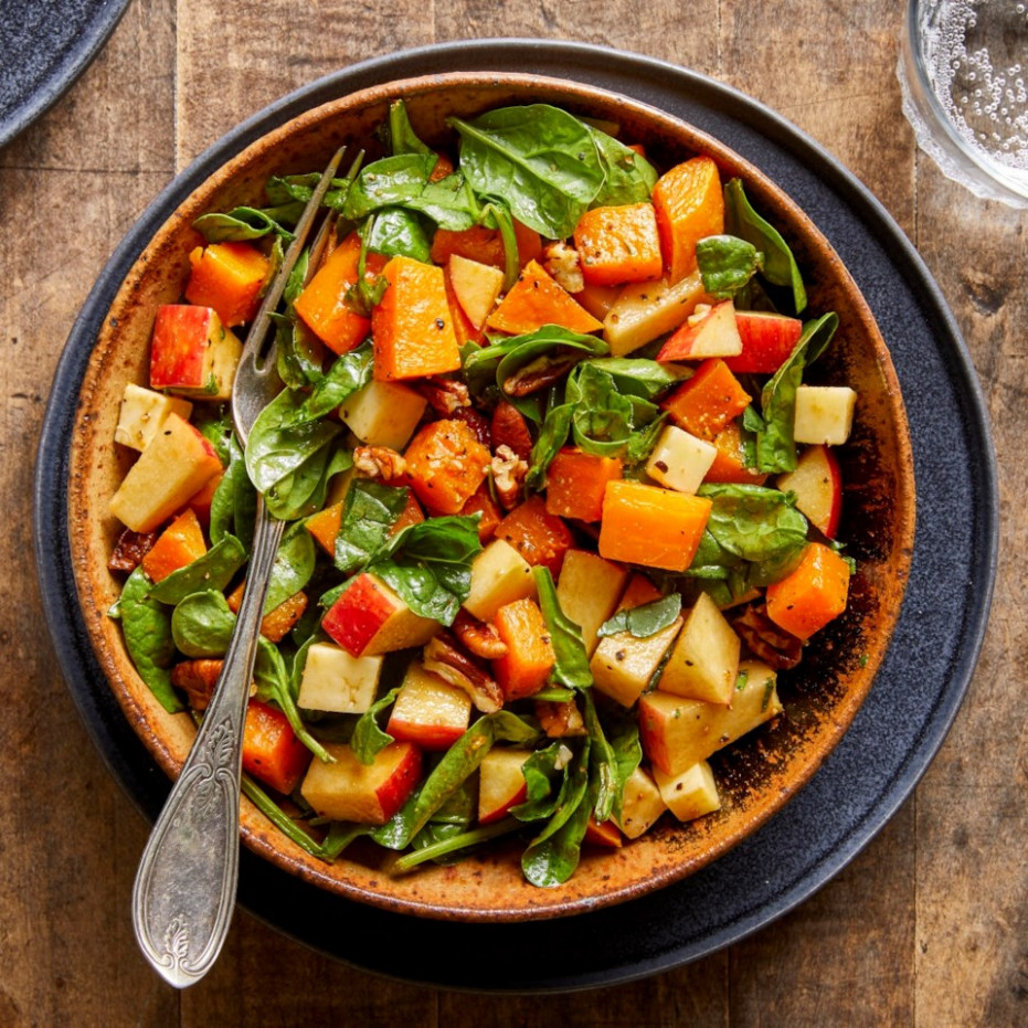 Fall Chopped Salad With Spinach, Butternut Squash, Apples & Cheddar - Vegetarian Recipes Autumn