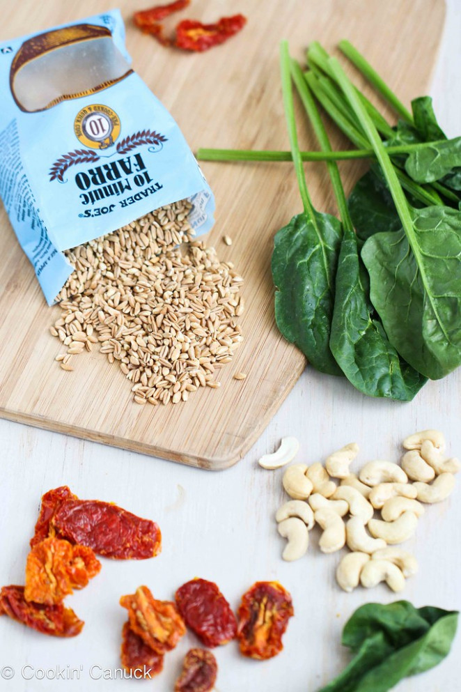 Farro Salad Recipe with Sun-Dried Tomatoes, Spinach & Cashews #salad #vegetarian #recipe - farro recipes vegetarian