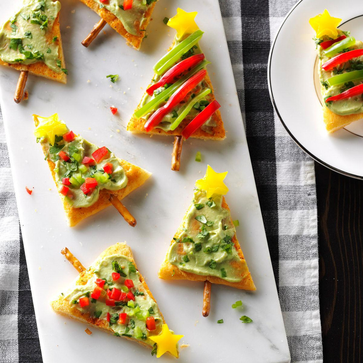 Festive Guacamole Appetizers - Xmas Dinner Starters Recipes