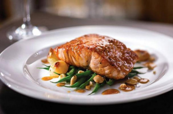 Foodista | Seared Citrus Glazed Salmon With Haricots Verts ..