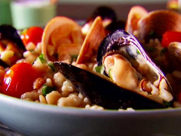 Fregola with Clams and Mussels Recipe | Giada De ..