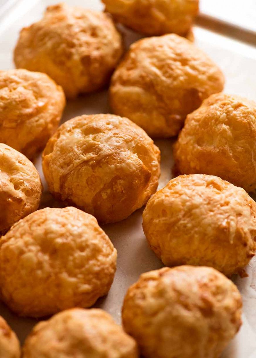 French Cheese Puffs (Gougeres) - finger food recipes