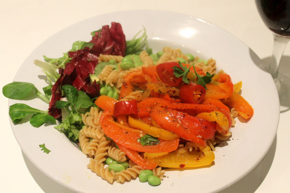 Fusilli with Peppers and Broad Beans - vegetarian recipes dinner healthy
