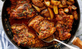Garlic Butter Chicken Thighs And Baby Potatoes Skillet – Chicken Recipes Thighs