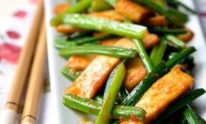 Garlic Chive With Dried Tofu, A Chinese Vegetarian Stir ..