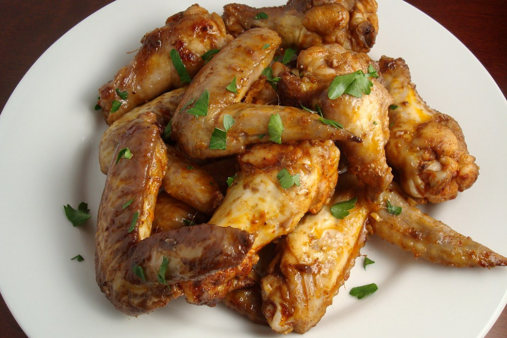 Garlic-Sizzled Chicken WIngs - recipes garlic chicken