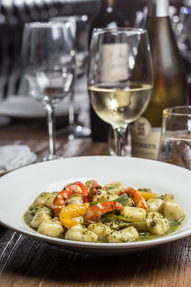 GNOCCHI WITH PESTO SALENTINO AND TIGER PRAWNS - walnut recipes dinner
