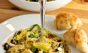 Greek Zucchini Noodles With Feta, Olives, Artichokes And ..