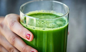Green Juice Recipe – W/ Kale, Cucumber, Celery, & Apples – Healthy Green Juice Recipes
