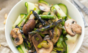 Grilled Asparagus With Cream Sauce Over Ribbons – Healthy Zucchini Recipes For Dinner