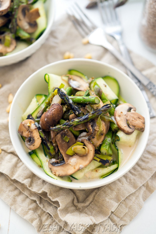 Grilled Asparagus With Cream Sauce Over Ribbons - Healthy Zucchini Recipes For Dinner