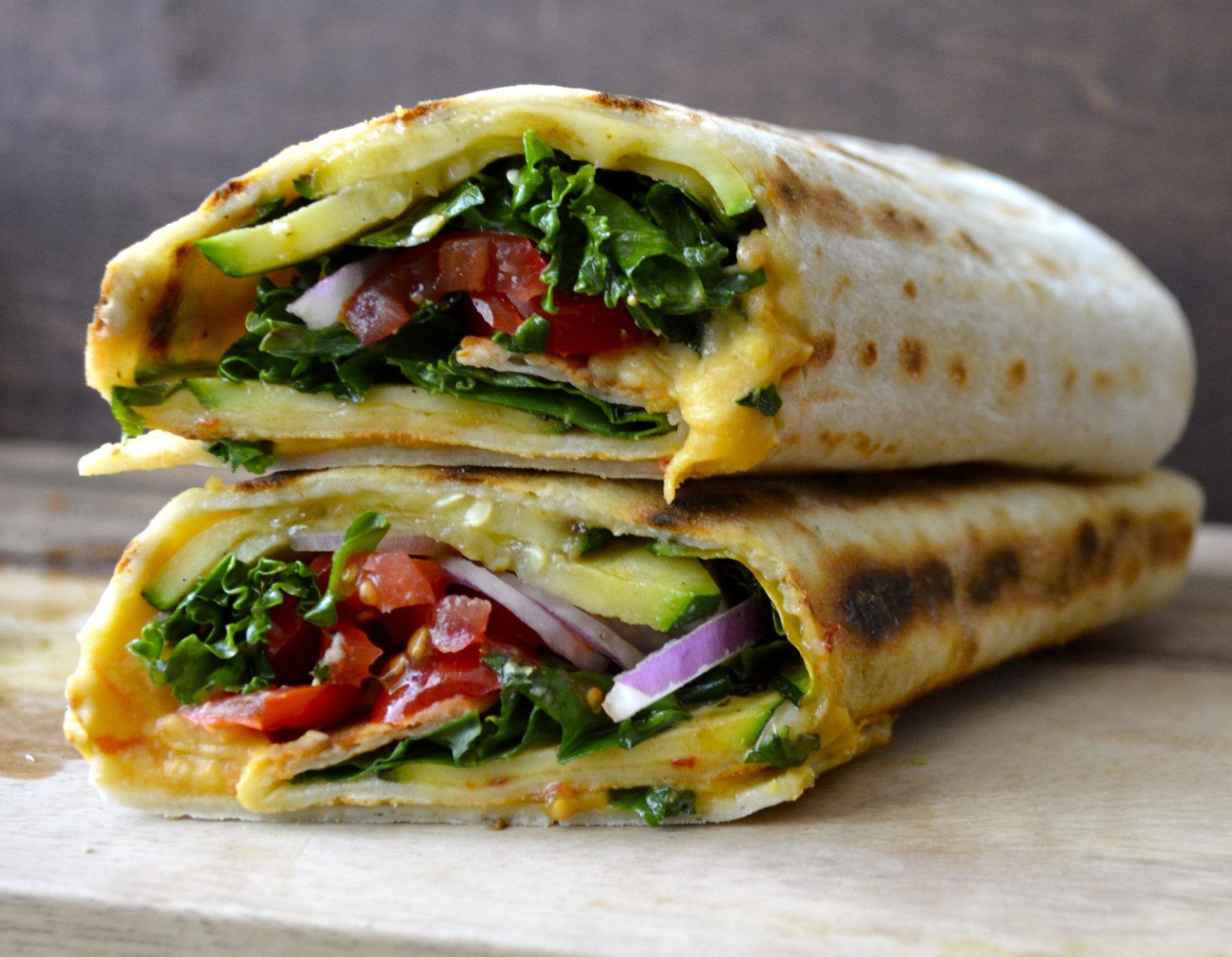 Grilled Zucchini Hummus Wrap + VIDEO - Maebells - wrap recipes vegetarian