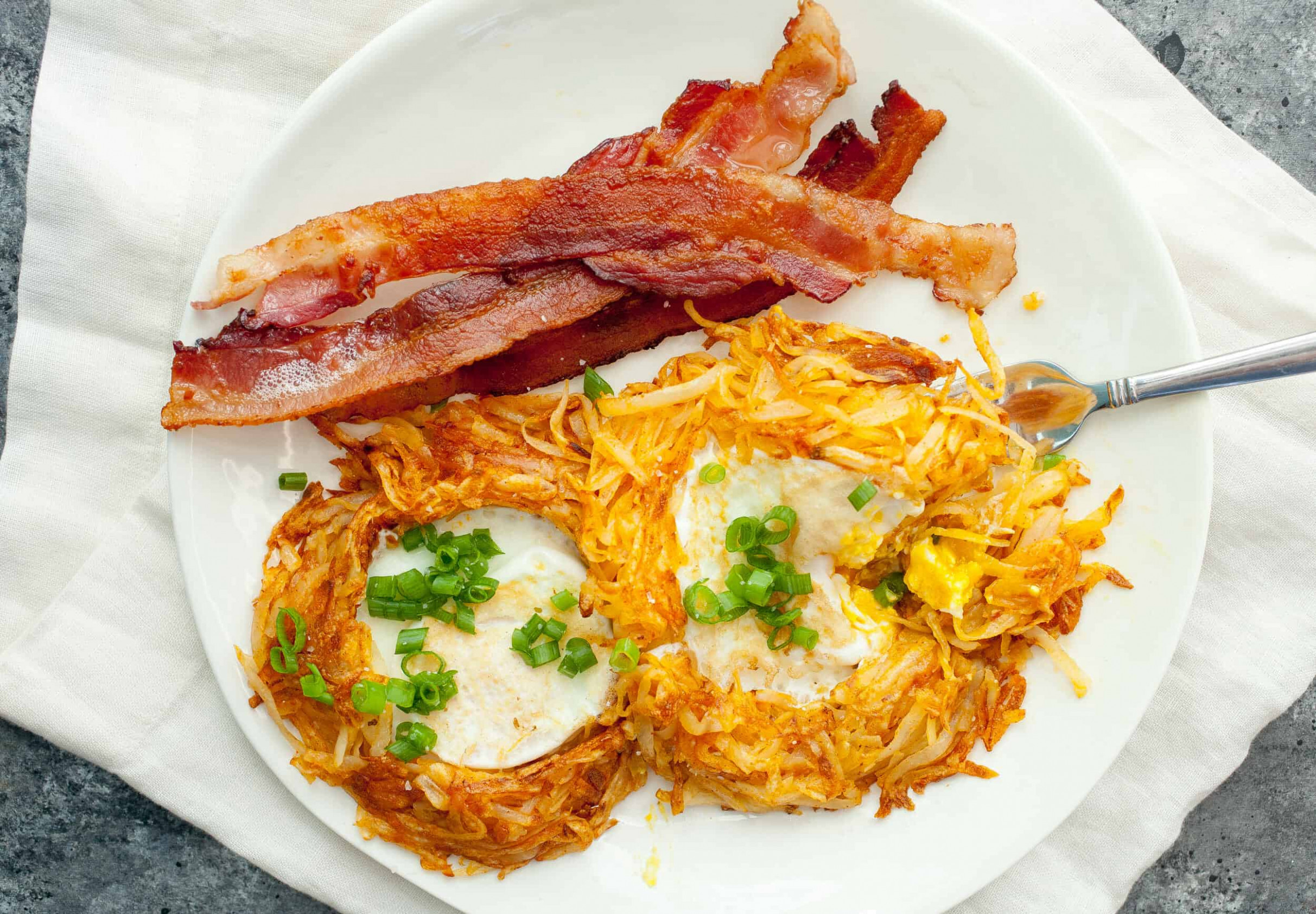Hash Brown Egg Nests - dinner recipes using frozen hash browns