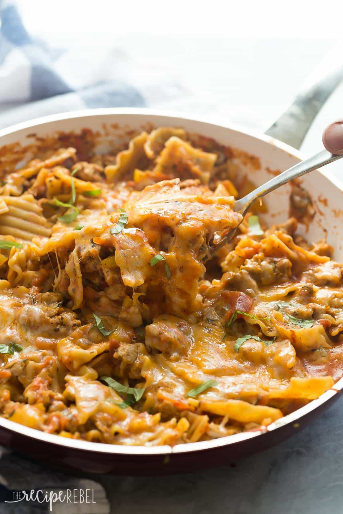 Healthier Skillet Lasagna: 14 Minute Meal! - Recipes With Ground Chicken