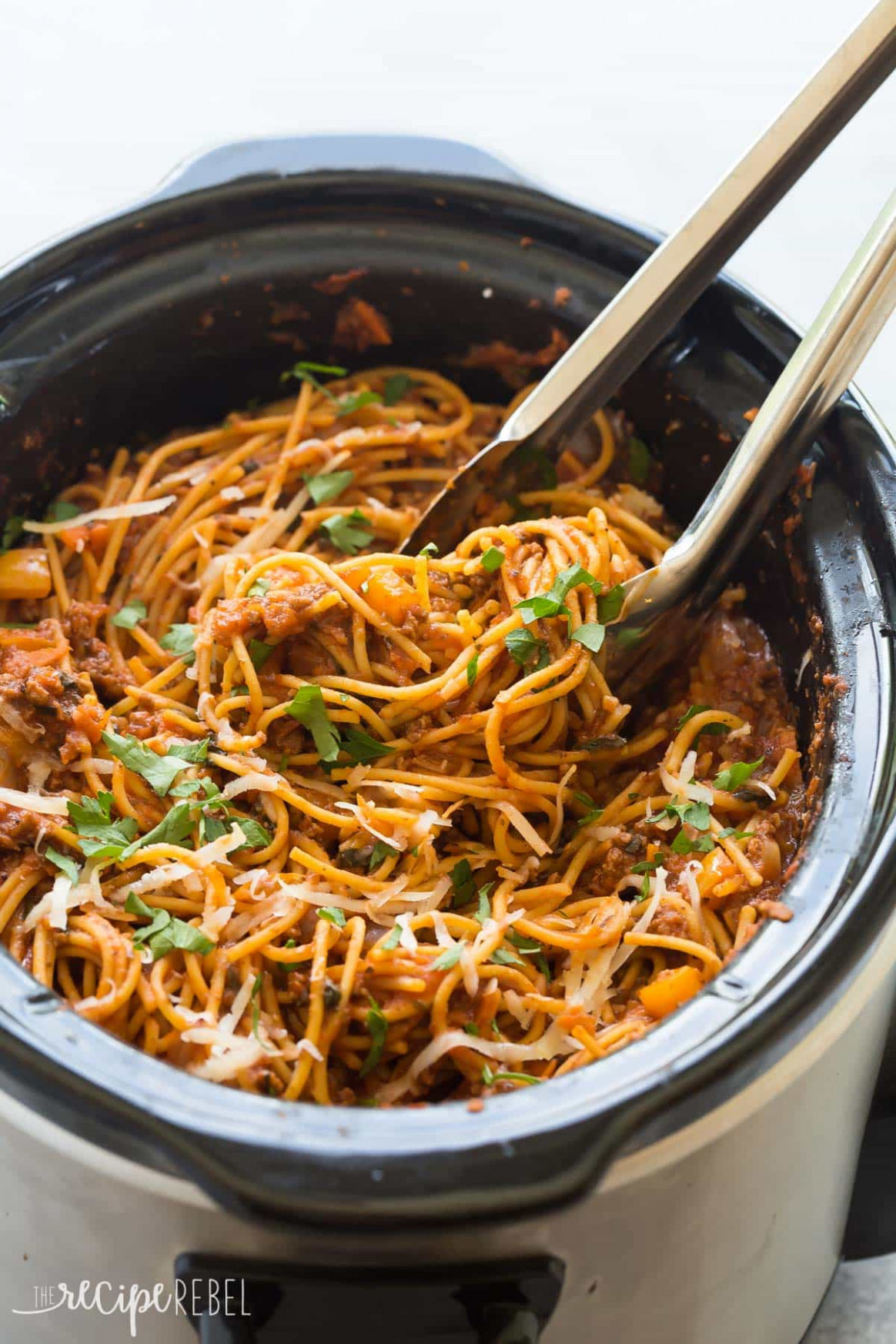 Healthier Slow Cooker Spaghetti and Meat Sauce + VIDEO - recipes slow cooker healthy
