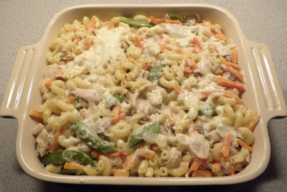 Healthified(ish) Cheddar Chicken Elbows - chicken recipes casserole