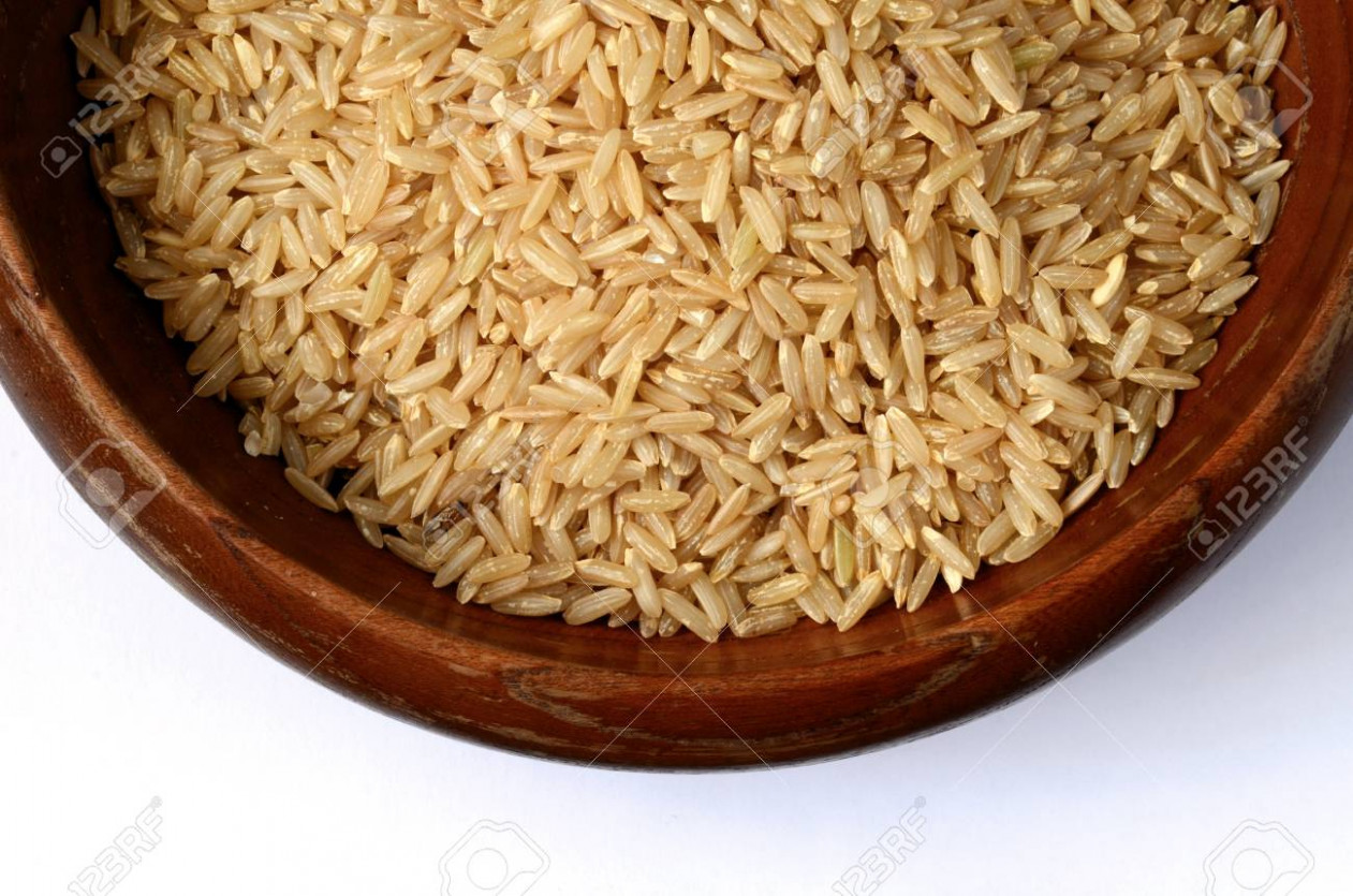 Healthy brown rice uncooked, close up shot - healthy brown rice recipes