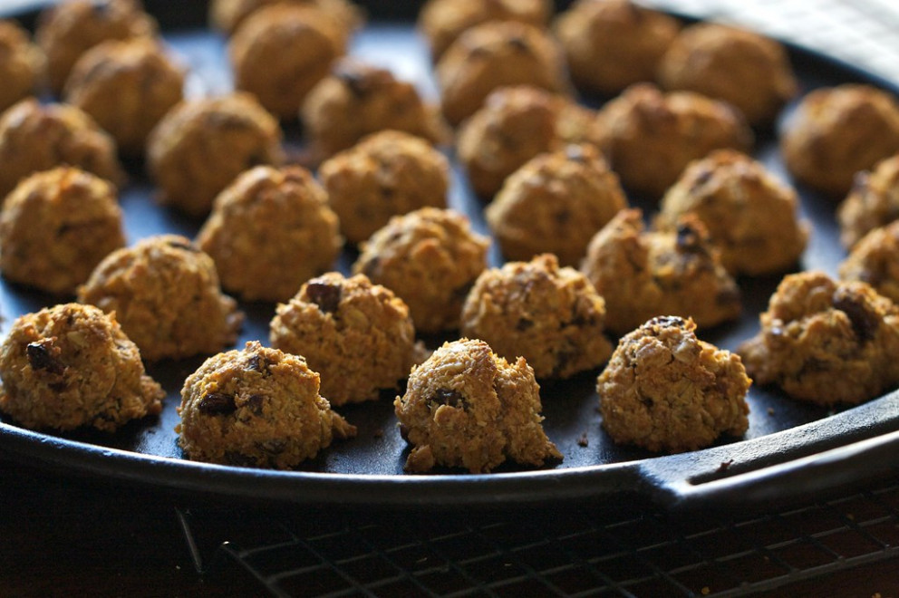 Healthy Carrot Oatmeal Bites - healthy recipes high in iron