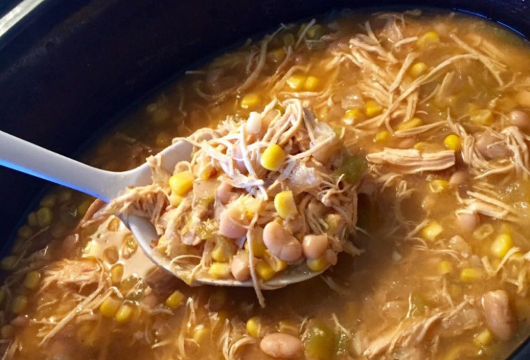 Healthy Crockpot White Chicken Chili - Further Food - healthy recipes crock pot