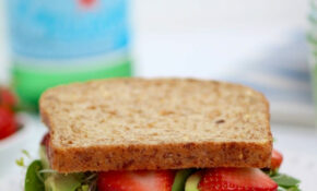Healthy Lunch: Strawberry Spinach Sandwich | Nourish Move Love – Recipes Lunch Healthy