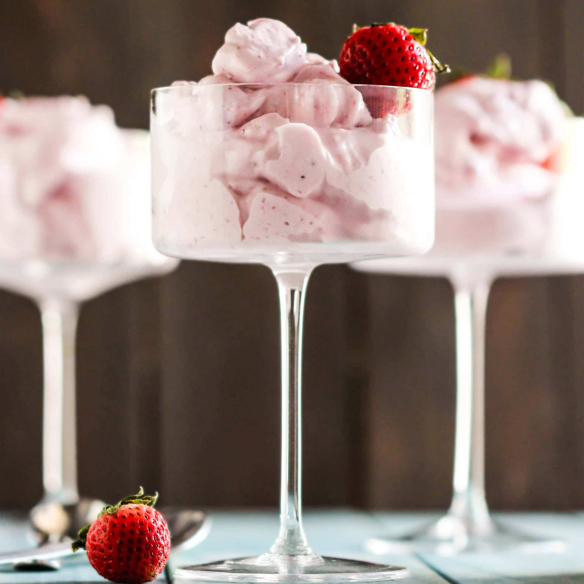Healthy Strawberry Protein Fluff - healthy recipes with xanthan gum