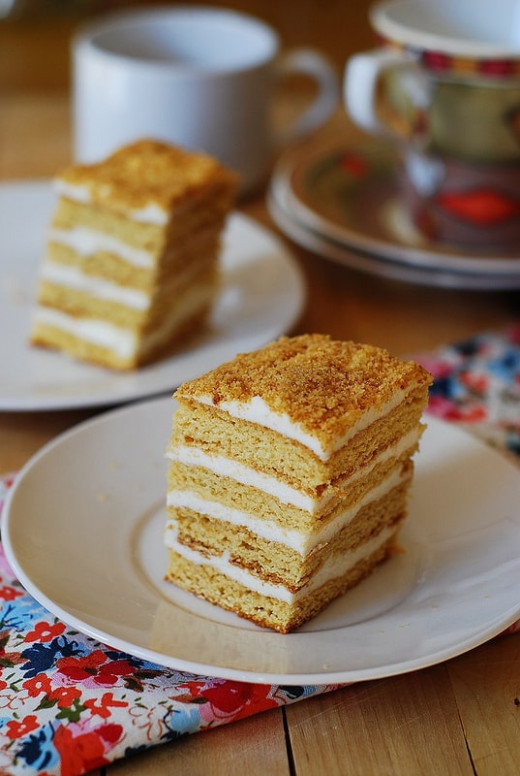 Honey cake, with cooked flour frosting – Medovik tort торт ..