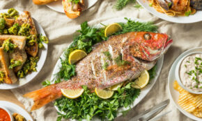 How To Host A Feast Of The Seven Fishes | Taste Of Home – Ocean Themed Food Recipes