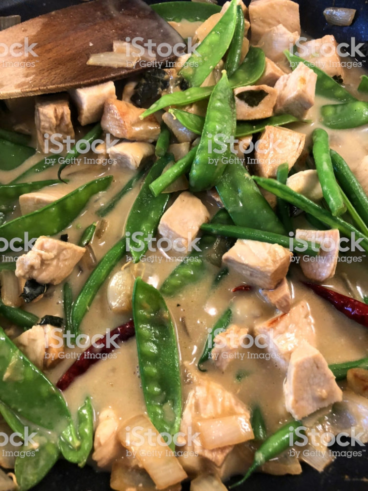 Image Of Cooking Thai Green Curry Recipe In Frying Pan With ..