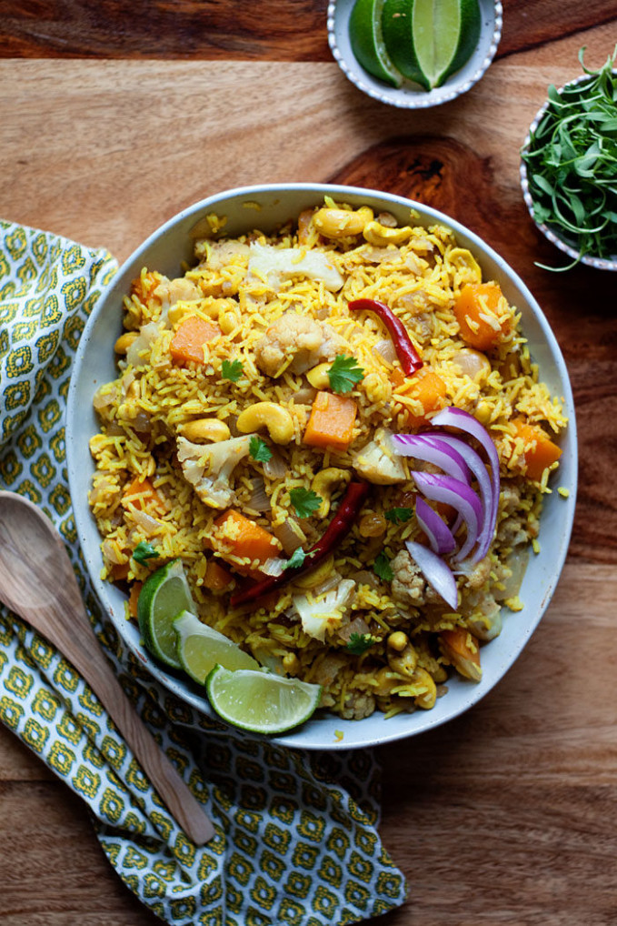 Indian Rice With Raisins And Cashews - Recipes With Rice Vegetarian