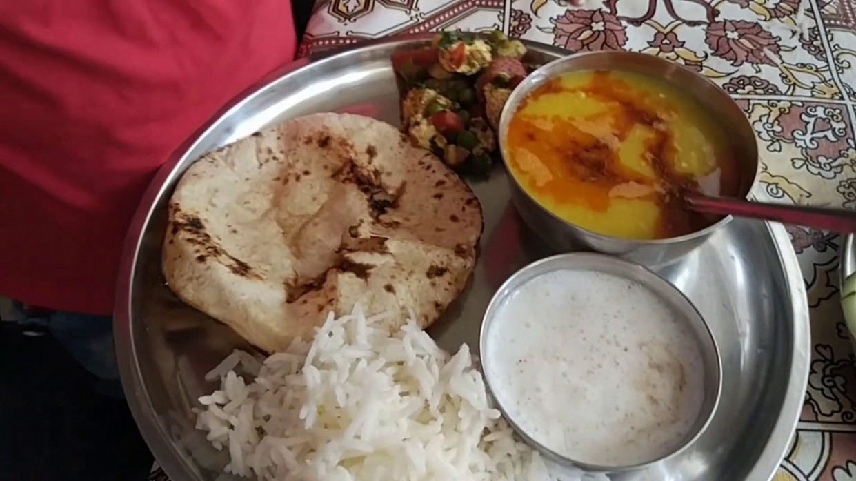 Indian woman lunch to dinner routine 12 in Hindi / Veg ..