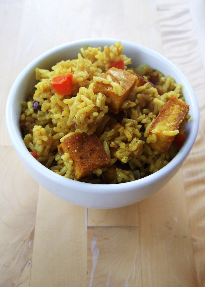 Jamaican cook-up rice - recipe vegetarian red curry