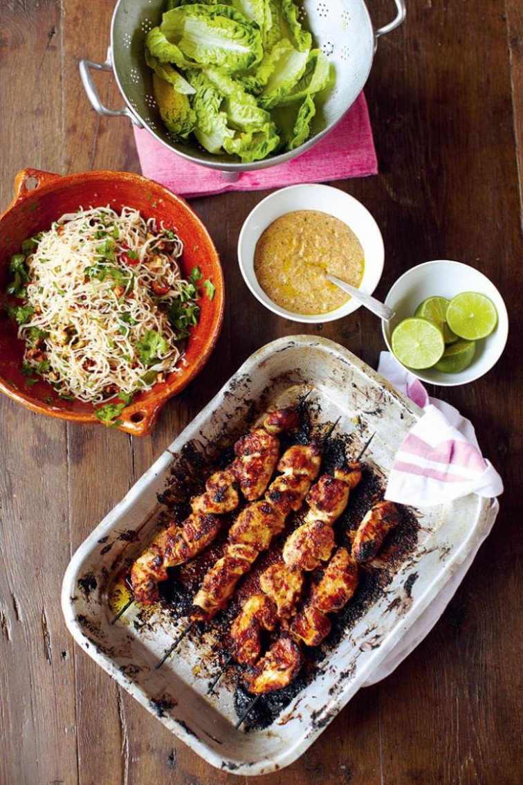 Jamie Oliver's 14 Minute Recipes: Chicken Skewers, Amazing Satay Sauce,  Fiery Noodle Salad, Fruit & ..