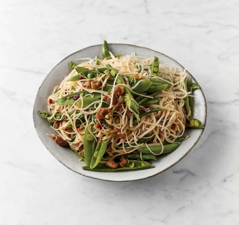 Jamie Oliver's Sweet & Sour Chicken Noodles Recipe | Quick ..