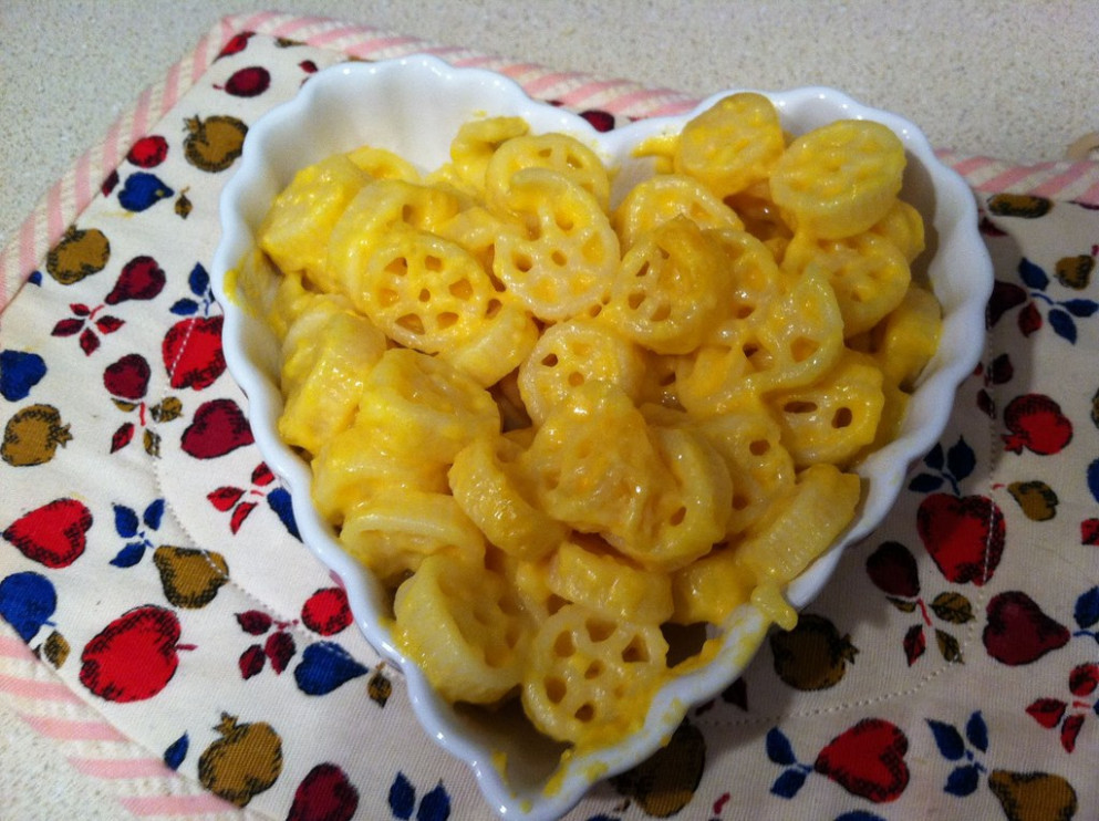Kidfresh mac and cheese for kids by Pinkie and the beans - healthy quesadilla recipes